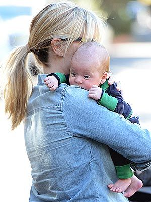Reese Witherspoon with Tennessee James First Photo --> Too cute!!!