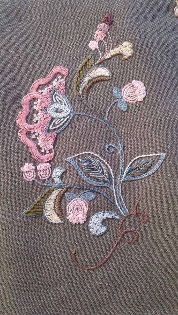 Brazilian embroidery bedspread designs - 1d046ba442b434da53a3b6000f4a4438 Jpg 750 1 331 Pixel Jacobean Embroideryhand Embroideryembroidery Designembroidery Patternssewing Stitchesbrazilian