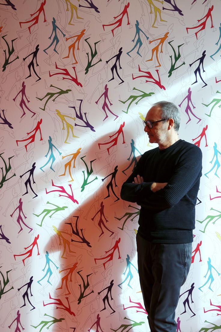 Walking Man - wallpaper design Gianni Veneziano  #WalkingMan #GianniVeneziano #LucianaDiVirgilio #VenezianoTeam #JannellieVolpi #wallpaper #art #design #illustration #FatebenefratelliMilano #ArtecomeTerapia #CasaPediatricaFatebenefratelli