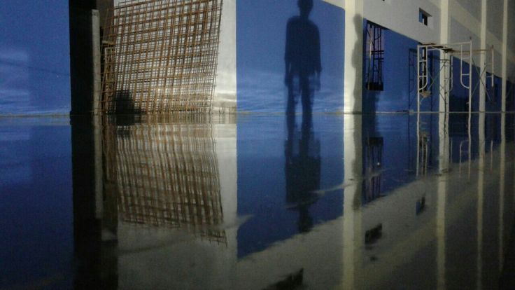 Shadows on the wall and Floor | Teknoklinz Indonesia Polished Concrete Expert