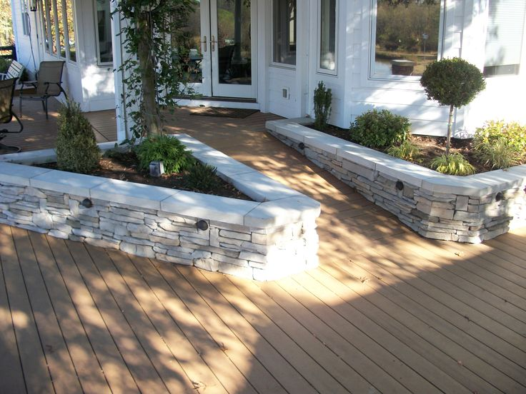 Trex Ramp And Built In Planters Trex Deck With Stone
