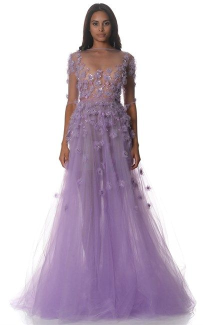 This Alex Perry Lilac Celine Couture Gown Sheath makes us dream of fairytales. So pretty! Price was $16500 and is now only $5000, what a great deal!