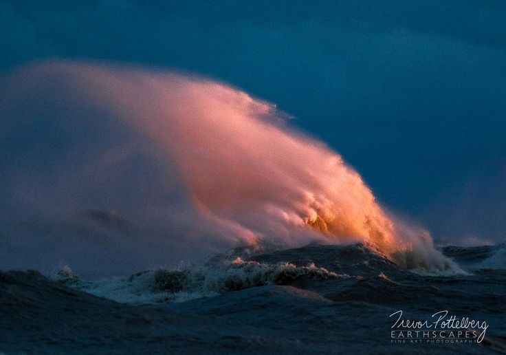 The latest piece in my Lake Erie Wave Series is titled Last Light - Order 645 - featuring a Lake Erie Wave being lit by the last rays of light just before the sun ducked down below the horizon.  Ive never witnessed such a beautiful three minutes while out shooting!  It had been rather gloomy all day but the clouds broke apart just as the sun was about to set.  I was fortunate enough  to capture one image before things went sour with my lens. Instead of getting upset I just put my camera down…
