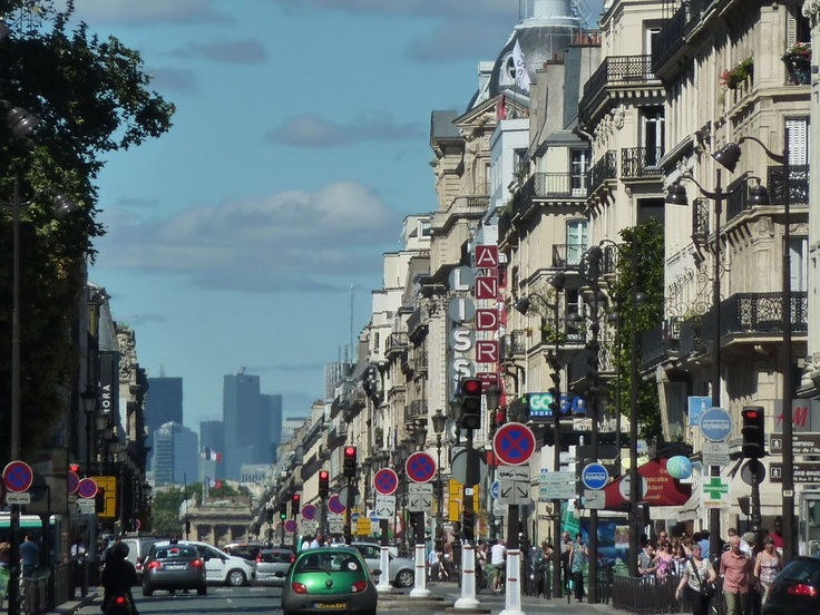 Paris shops | the street called rue de rivoli is one of paris shopping street and is ...