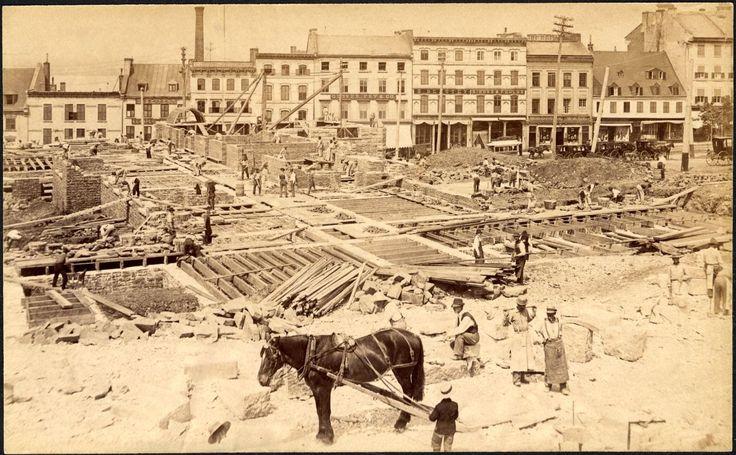 Chantier de construction de l'Hôtel de ville, 1895