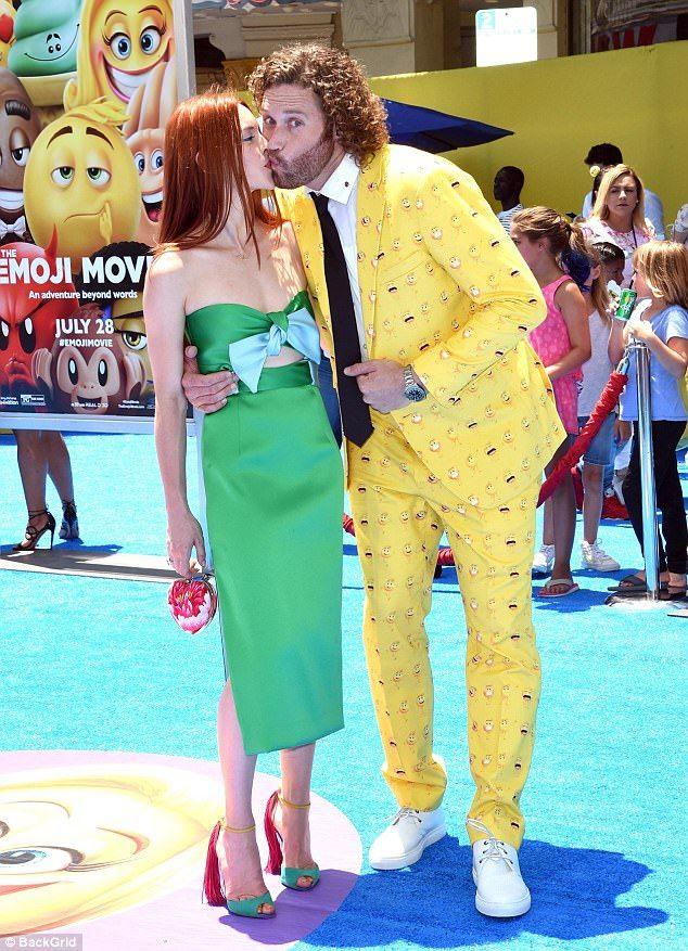 T.J. Miller kisses wife Kate Gorney at Emoji Movie prem ...