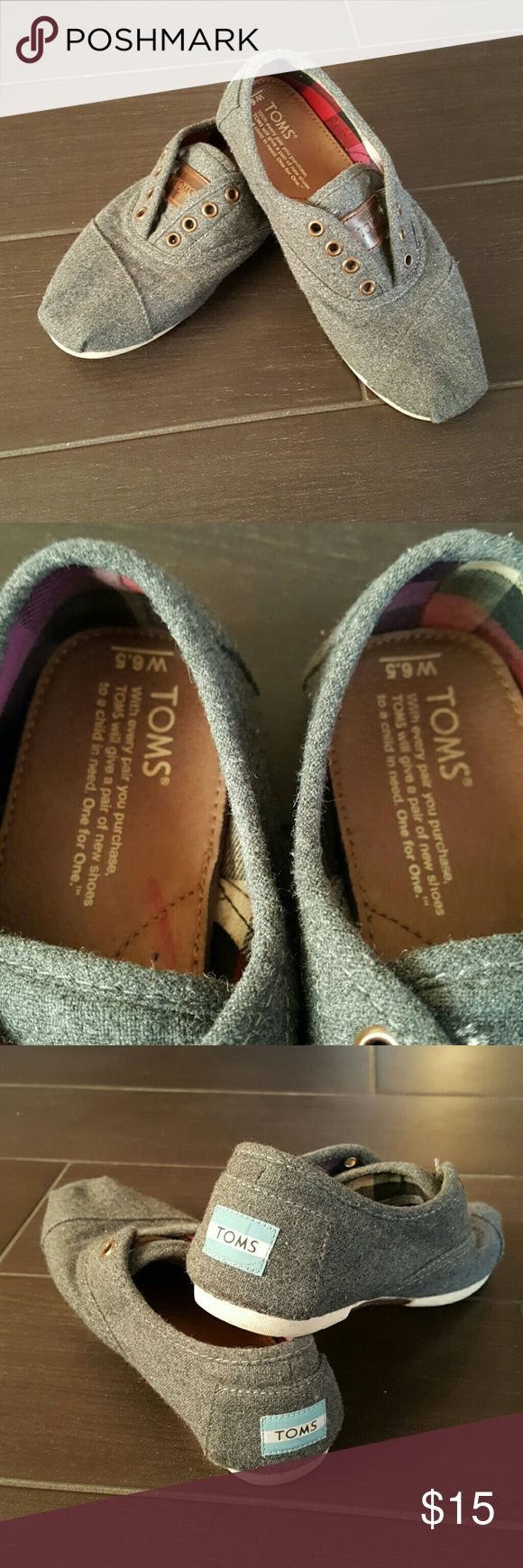 TOMS Lace Up Shoes 6.5 Gray TOMS shoes in good condition.  Size 6.5 TOMS Shoes Flats & Loafers