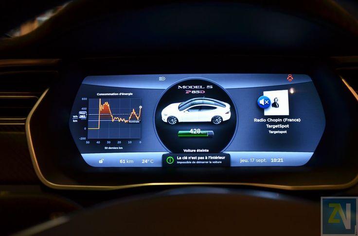"""Notre présentation de l'imposante planche de bord de la Tesla Model S P85D, avec son écran tactile XXL de 17""""."""
