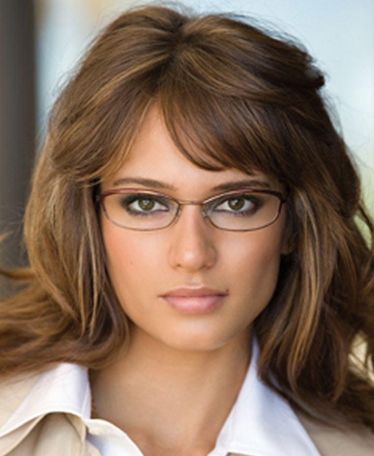 Look fierce and fabulous! Make a statement with your eye makeup and your glasses. http://featherstroke.com/eye-makeup-for-glasses-wearers/