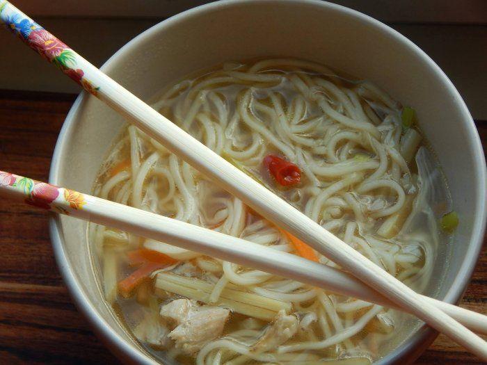 Asijská nudlová polévka