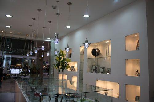 Proyecto de diseño y construcción del local de Presenti en Bogotá. #espacios #comerciales   Foto con licencia Creative Commons