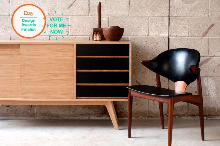 J150 Madia - credenza classica in rovere   Unità entertainmnet Media Vintage Cabinet di arte industriale. Buffet legno danese retrò, metà del secolo di Senkki su Etsy https://www.etsy.com/it/listing/202386423/j150-madia-credenza-classica-in-rovere-o