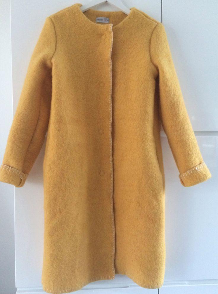 Handmade coat blanket coat jacket dekenjas, made of a vintage yellow wool blanket, size L door MORETHANVINTAGENL op Etsy