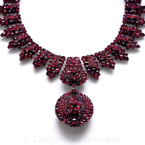 Victorian Bohemian Garnet Necklace with Locket - 90-1-4591 - Lang Antiques. Isn't it absolutely spectacular?
