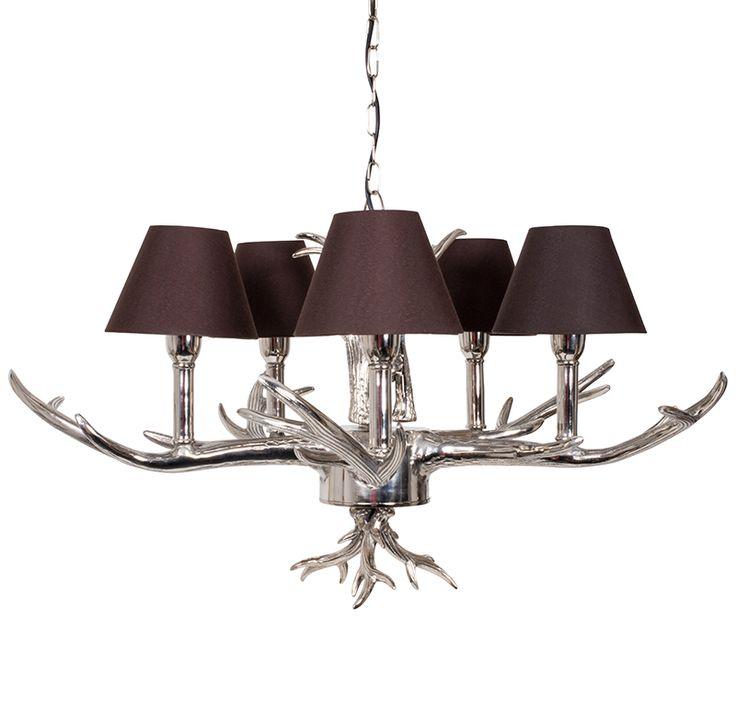 De parel van onze lampencollectie, dit prachtige gewei- kroonluchter is te bestellen op http://www.missmeubel.nl/shop/gewei-hanglamp-van-aluminium-met-bruine-kapjes/