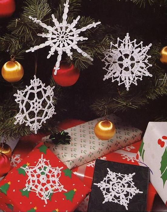 how to make a crochet snowflakes stiff