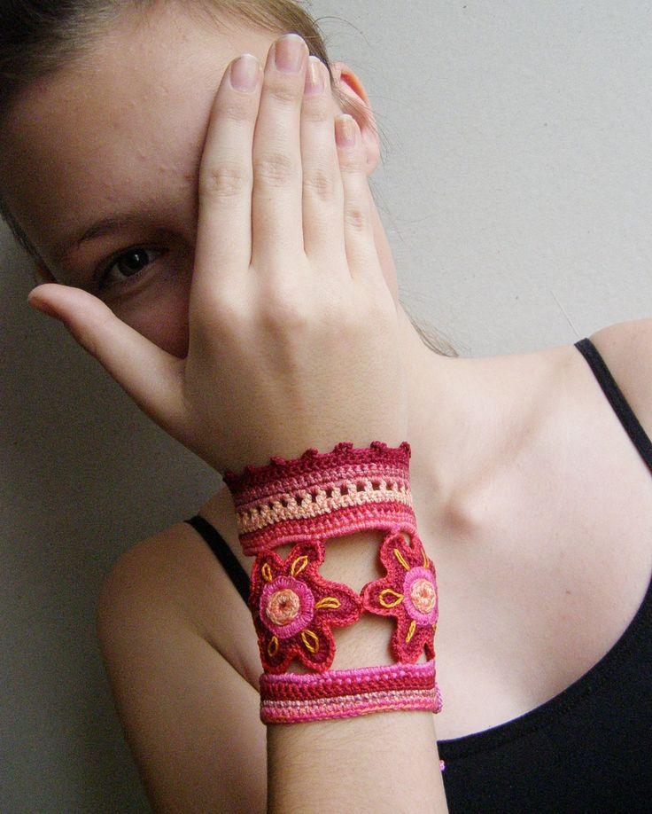 summer mittens / crochet cuff bracelet
