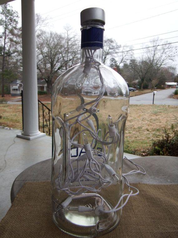 Lámpara de botella de Vodka exacta Recyled por 800ChestnutStreet
