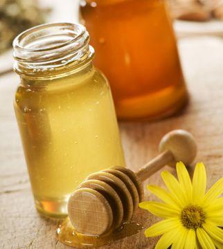 4 Easy Recipes for Homemade Honey Conditioners