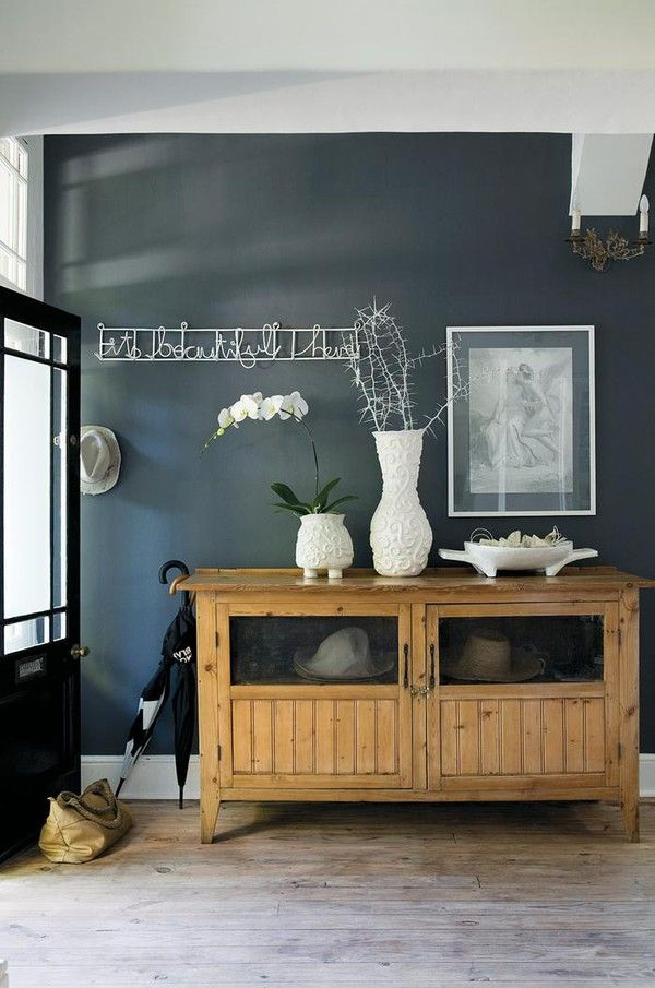 love the walls, this looks so coastal.