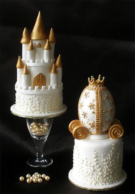 petits gâteaux château et charriot de marriage / Small Wedding Castle & Carriage Cakes