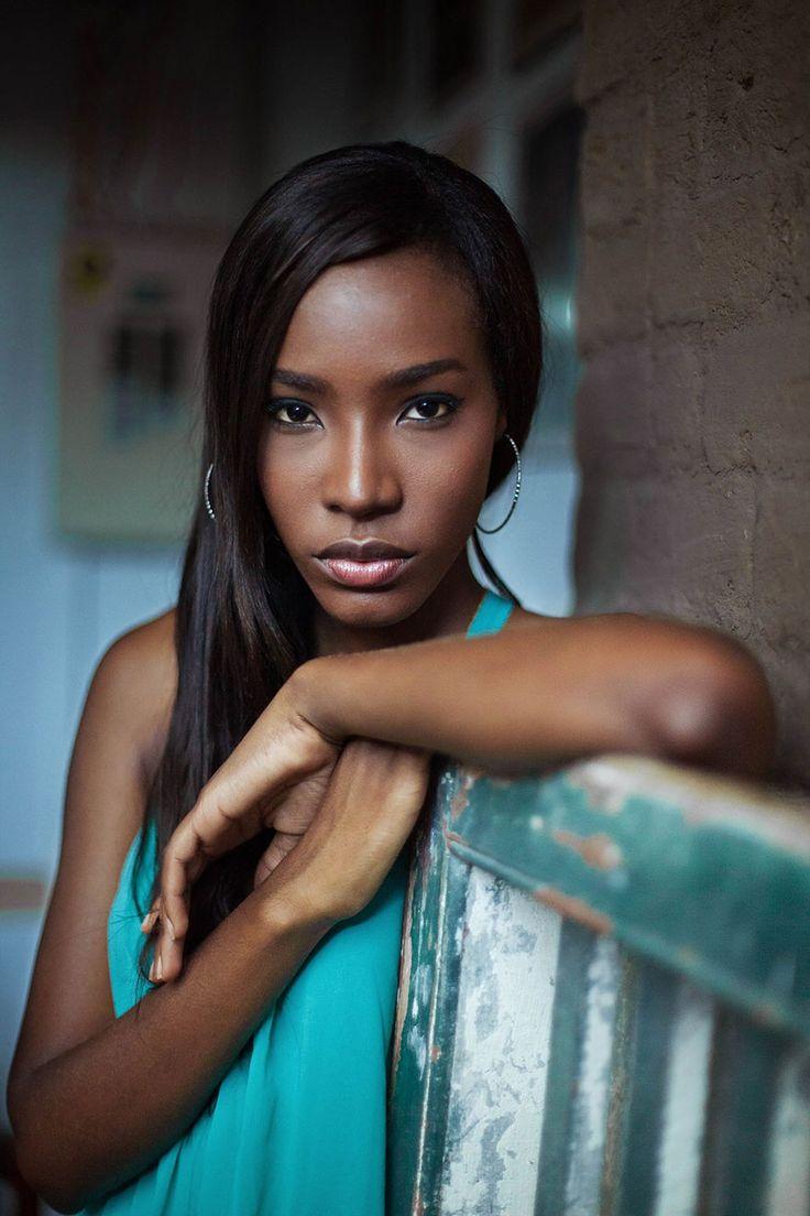 Mihaela Noroc continue de photographier la Beauté des Femmes dans le Monde (6)