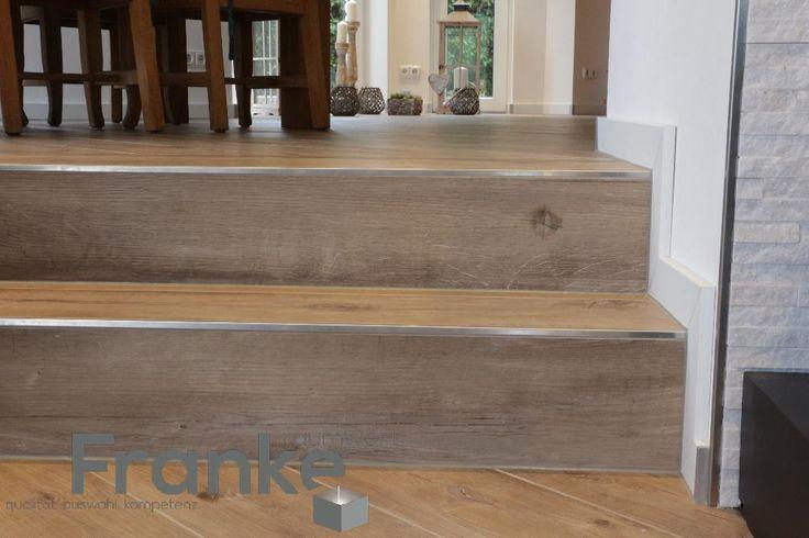 die besten 25 treppe fliesen ideen auf pinterest fliesen auf treppen fliesenaufkleber treppe. Black Bedroom Furniture Sets. Home Design Ideas