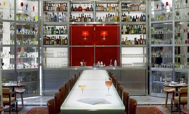 Bar Long Hotel Royal Monceau, Paris, design by Philippe Stark