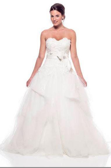 Se puntual con tus citas de prueba de vestido, la modista podría complicarse si aplazas tu prueba continuamente. #BodaTips #TuBoda #OutletNovias #TuBoda #Boda #TuVestidoDeNovia #VestidosDeNovia #México #Vestidos #Vestidos #Esposa #Boda #Novia #Wedding #Wife