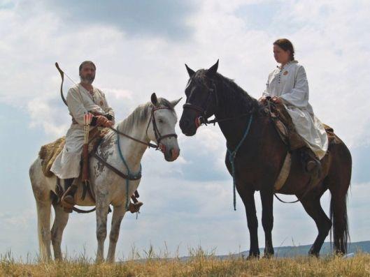 romanians horseriders dacian romanian men women dacia femeie daca