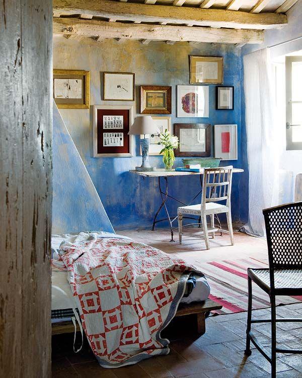 Espacios, casas | Nuevo Estilo revista de decoración. Blue paint washed walls