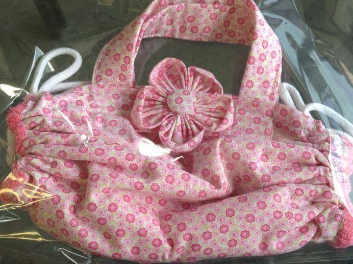 Romantico Com flor de fuxico rosa
