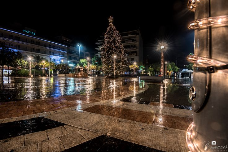 Agrinio square, Christmas tree under the rain...