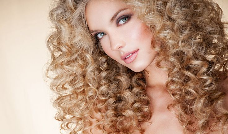 Curly Hair Experts  Whether your hair is wavy, ringlety, crimped, or frizzy, Arsen and his team of stylists will take your curls to the next level.  When it comes to curly hair, the Arsen Gurgov Salon is not your average beauty parlor. Our stylists are curly hair experts, who have developed a number of unique techniques to conquer and enhance curled locks of all varieties – making the Arsen Gurgov Salon one of the best salons for curly hair in NYC.