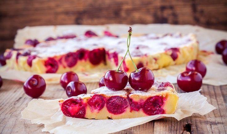 Το κλαφουτί (clafoutis) είναι ένα από τα πιο εύκολα και γρήγορα γλυκά της γαλλικής κουζίνας. Πολύ απλά υλικά (γάλα, αυγά, ζάχαρη κι αλεύρι) και πολύ απλή εκτέλεση.