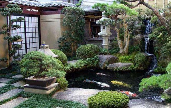 künstliches teich und skulpturen aus stein für ein luxus garten design - Gartengestaltung: 60 fantastische Garten Ideen
