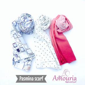 Hijab Amouria, hijab dengan multi fungsi bisa sebagai hijab dan scraft. Hijab dengan harga yang murah tapi kualitas premium.