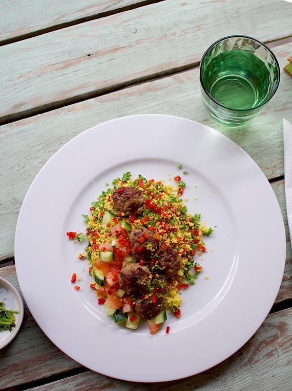 Pikantne, grillowane kotleciki wieprzowe #grill #przepisy #kotleciki #wieprzowina #tabule #kuskus #pikantne #POLOmarket