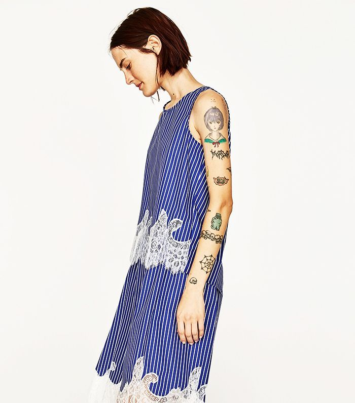 These Zara models might have just convinced us to get our first tattoo because their unique tiny tattoos are giving us so many ideas.
