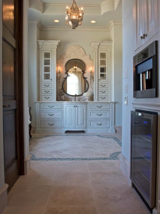 pretty vanity would look great in a dressing room. (Simmons Estate Homes)