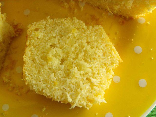 Torta al limone con noce di cocco
