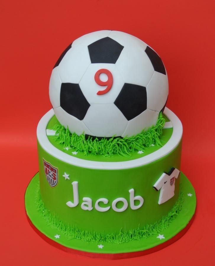 soccer cake - Cake by eunicecakedesigns