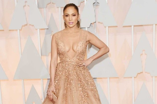 Million dollar baubles: the most expensive jewellery at the 2015 Oscars  : Jennifer Lopez Lopez had $3.17 million worth of jewels distributed between 20-carat earrings and two rings, all by Neil Lane.