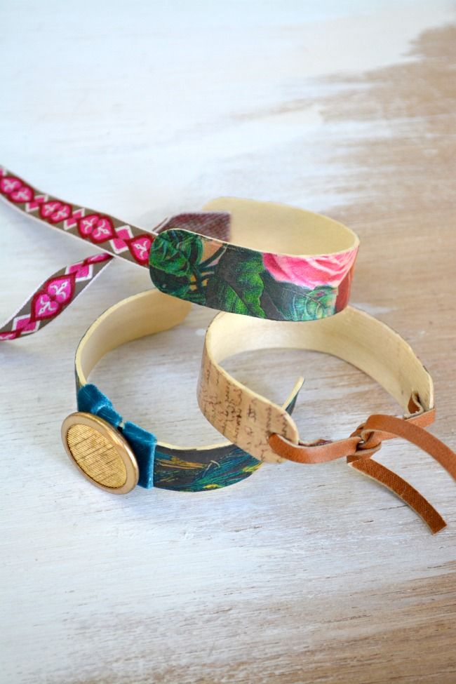 Popsicle Stick Bracelt tutorial on The Graphics Fairy Blog