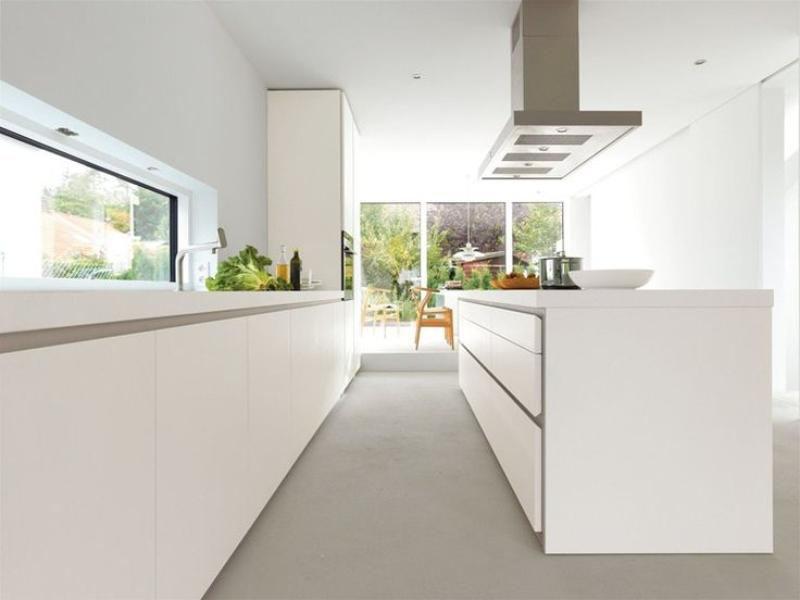 LINEAR FITTED KITCHEN B1 | KITCHEN WITH ISLAND | BULTHAUP