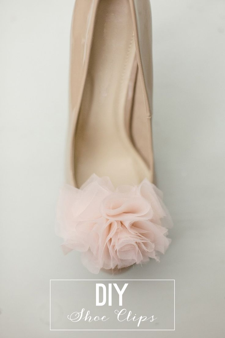 Shoe ornament clips - Diy Chiffon Pom Pom Shoe Clips