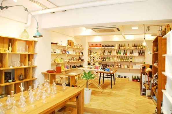 doinel hipshop in Tokyo.   #hipshops #hip #store #design #accessories #homedeco #food #kitchen #supply #concept #tokyo