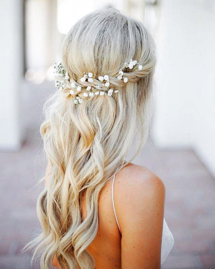 "Perfect Weddings Abroad on Instagram: ""We love this simple wavy beach hairdo, perfect for a laid back beach wedding! . . . . .  #weddingsabroad #wed..."