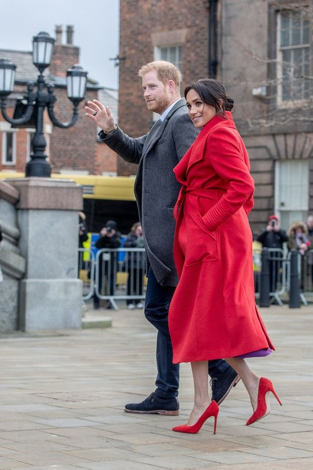 the dress meghan markle wore in birkenhead actually channels princess diana it s affordable af prince harry and megan prince harry and meghan meghan markle pinterest