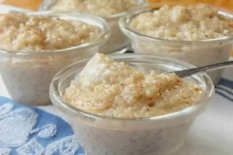 Ingredients 1/2 c rice uncooked 1 c salted water 1 qt milk 1/2 stick margarine 3 eggs 1/2 c sugar 1/2 c raisins 1 tsp vanilla extract 1 tsp nutmeg and cinnamon if desired Directions 1 Using a large…